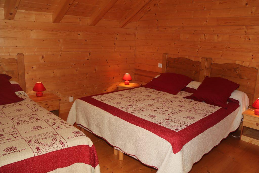 chambre 3 personnes - Chalet Valrouane Ancelle